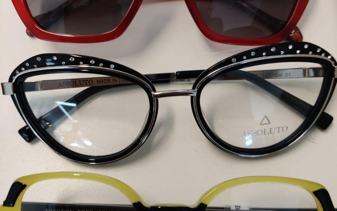 Upeita silmälasikehyksiä, aurinkolasit, Keravan Katse